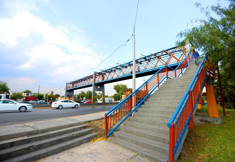 Advierten inseguridad  sobre los puentes peatonales en Oaxaca | El Imparcial de Oaxaca