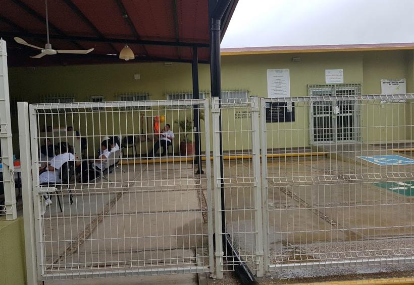 Sin resolverse la huelga en el centro de  salud de Puerto Escondido   El Imparcial de Oaxaca