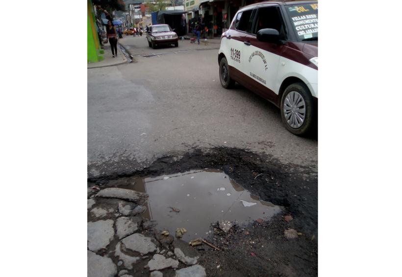 Advierten riesgo por baches en Oaxaca | El Imparcial de Oaxaca