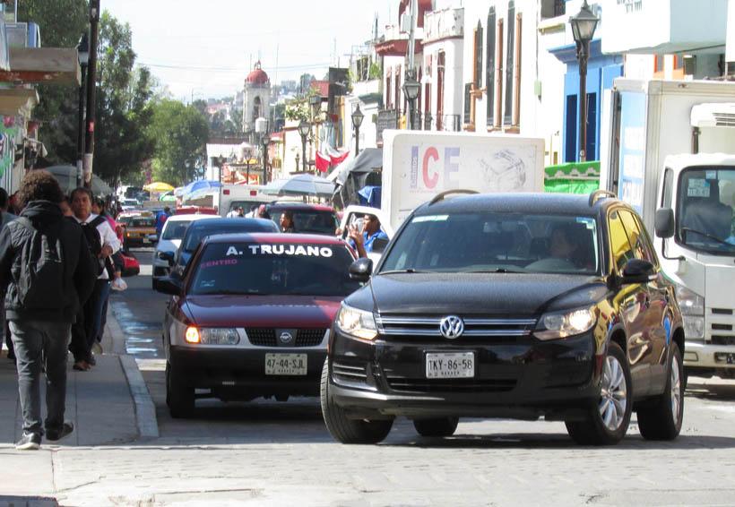Padecen habitantes de Oaxaca por desorden vial
