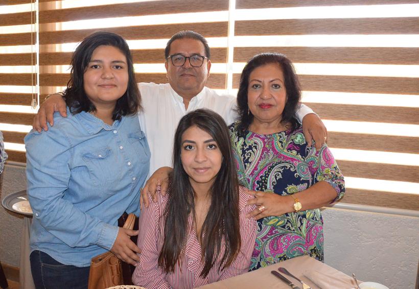 Celebran el cumple de Adriana | El Imparcial de Oaxaca