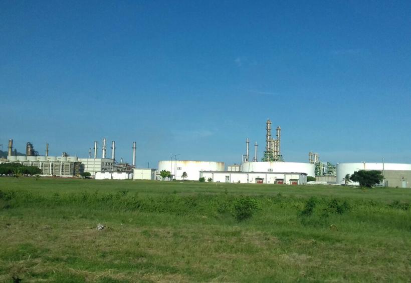 Mano de obra istmeña es contratada en la Refinería