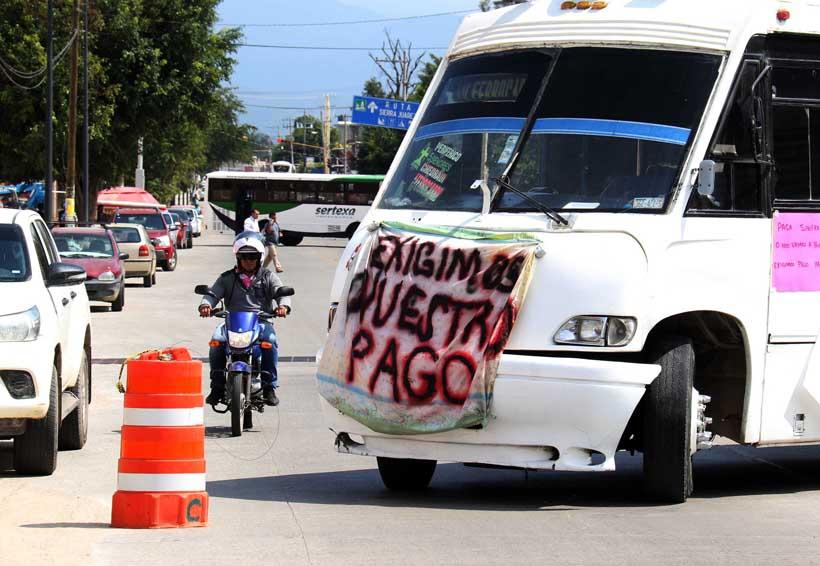Se rebelan trabajadores de Sinfra; bloquean Centro de Convenciones en Oaxaca | El Imparcial de Oaxaca