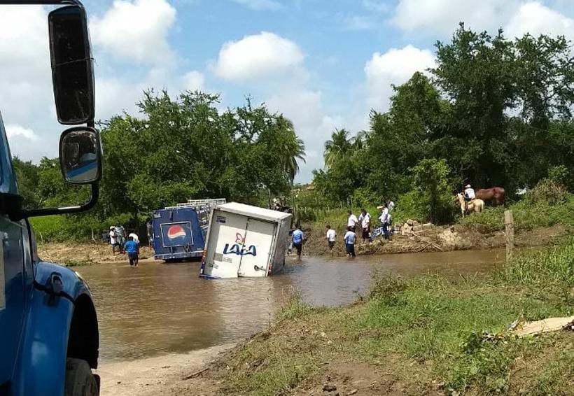 Bloqueos carreteros provocan accidentes en la costa de Oaxaca | El Imparcial de Oaxaca