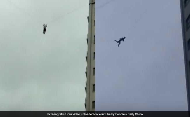 Hombre escapa por cable telefónico no pagar su hotel