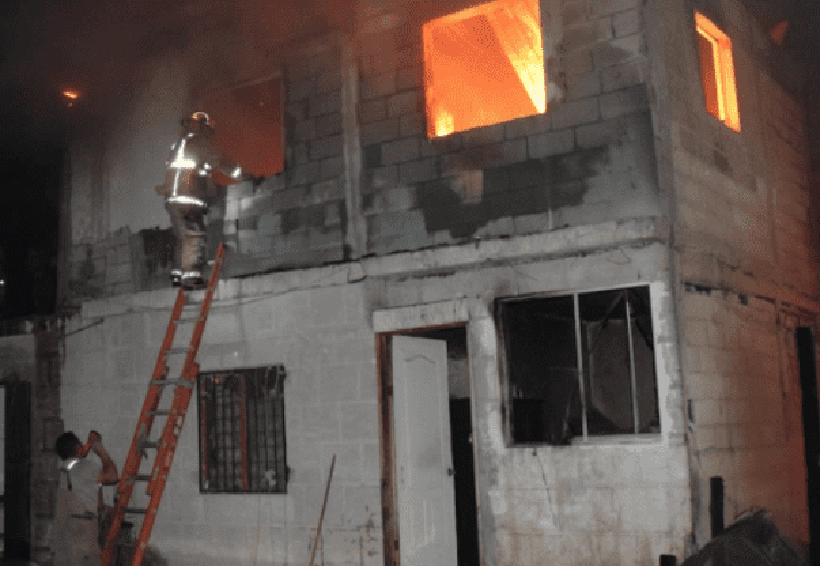 Una veladora acabó con tres hogares   El Imparcial de Oaxaca
