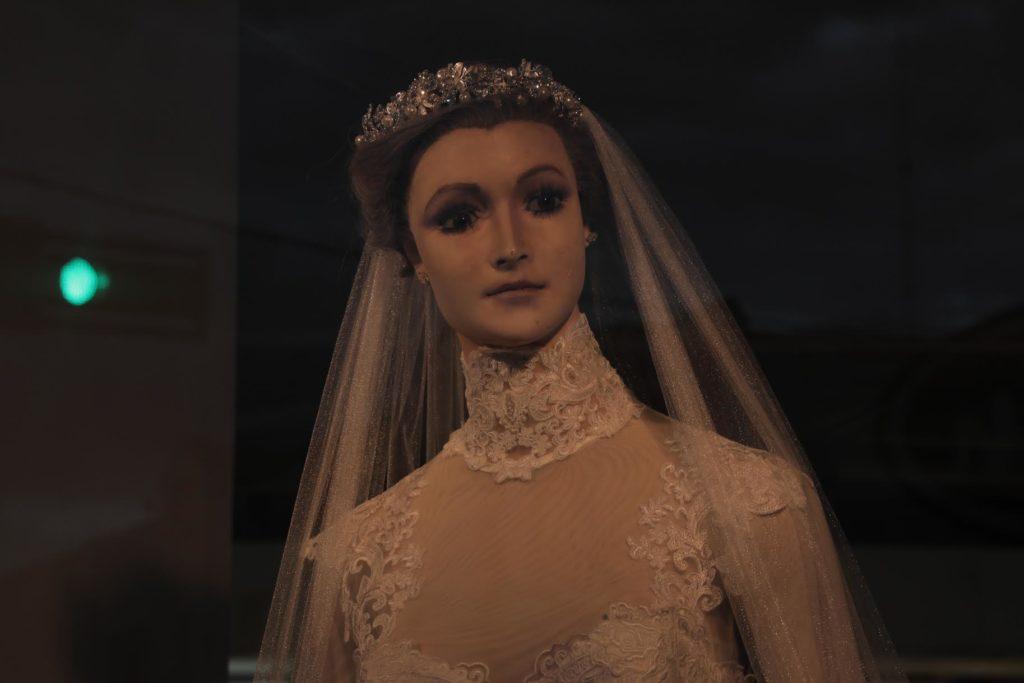 Maniqui vestido de novia leyenda