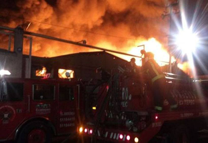 Se incendia fábrica de muebles en Ecatepec   El Imparcial de Oaxaca