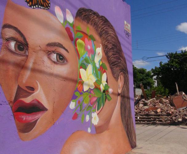 Crean arte entre escombros en el Istmo; dedican mural a mujeres