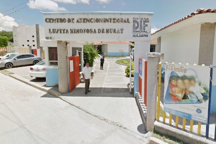 Jalonea a niña  en la vía pública de Huajuapan de León, Oaxaca | El Imparcial de Oaxaca