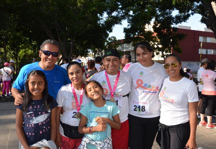 Corren contra el cáncer de mama