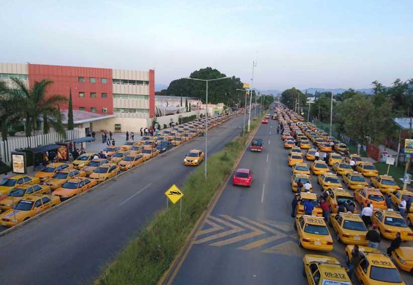 Se rebelan contra taxis 'pirata' y competencia desleal en Oaxaca | El Imparcial de Oaxaca