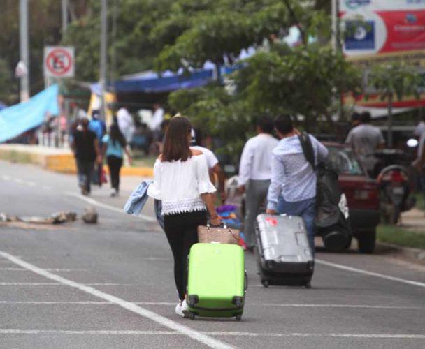 En la Costa de Oaxaca la Seccion 22 amenaza con movilizaciones