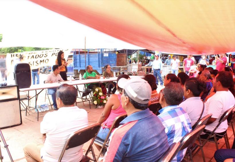 Realizan conferencia Sismo y Modelo de Ciudad en Juchitán, Oaxaca