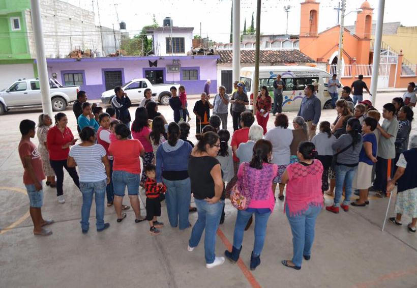 Cuestionan la entrega de víveres en la Mixteca de Oaxaca