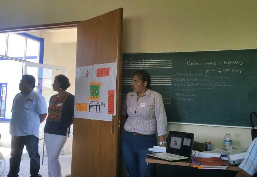 Ante reinicio de clases en el Istmo, realizan taller de apoyo psicoemocional
