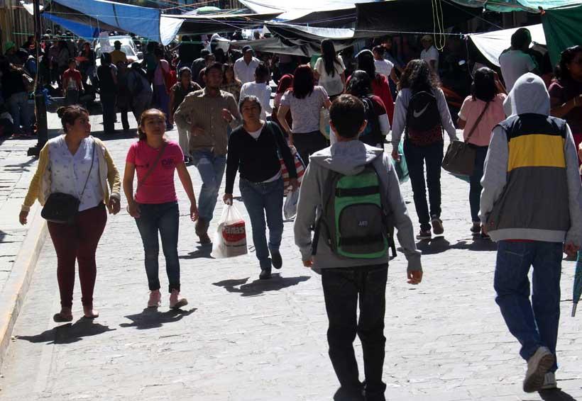 Marchan normalistas de Tamazulapam; exigen destitución de directivos | El Imparcial de Oaxaca