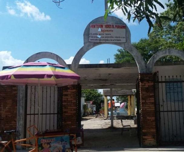 Agente amenaza con quitar perpetuidades de panteón a ciudadanos de Tuxtepec