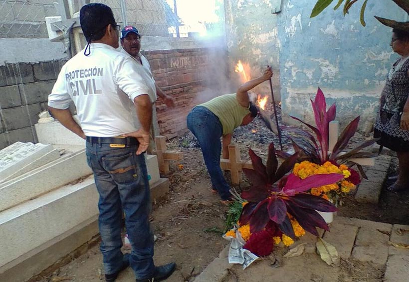 Exhortan a visitantes de panteones de  Tehuantepec a extremar precauciones