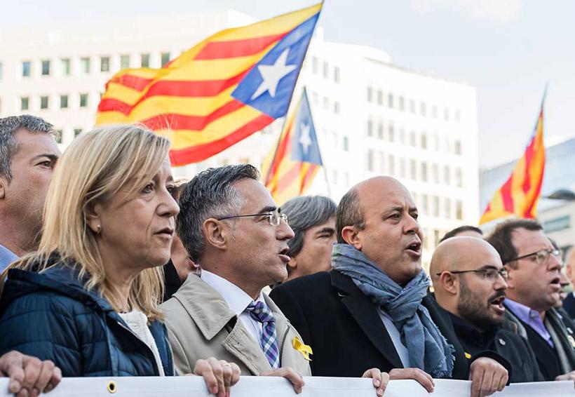 Alcaldes catalanes independentistas reclaman atención de la UE | El Imparcial de Oaxaca