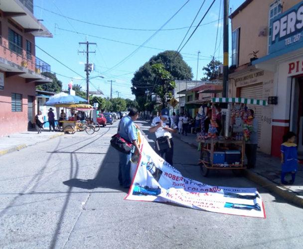 Exigen instalaciones dignas para alumnos de Tuxtepec, Oaxaca