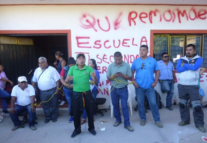 Alcanzan acuerdos padres de familia  de la Mixteca y líderes de la S-22 | El Imparcial de Oaxaca