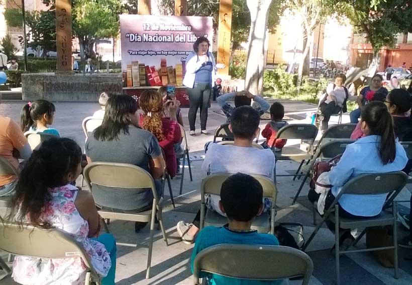 Cuentacuentos motivan a la lectura en Día Nacional del libro