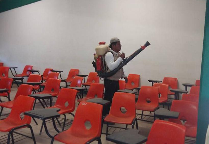 Combaten al mosco transmisor del dengue en Santo Domingo Tehuantepec, Oaxaca