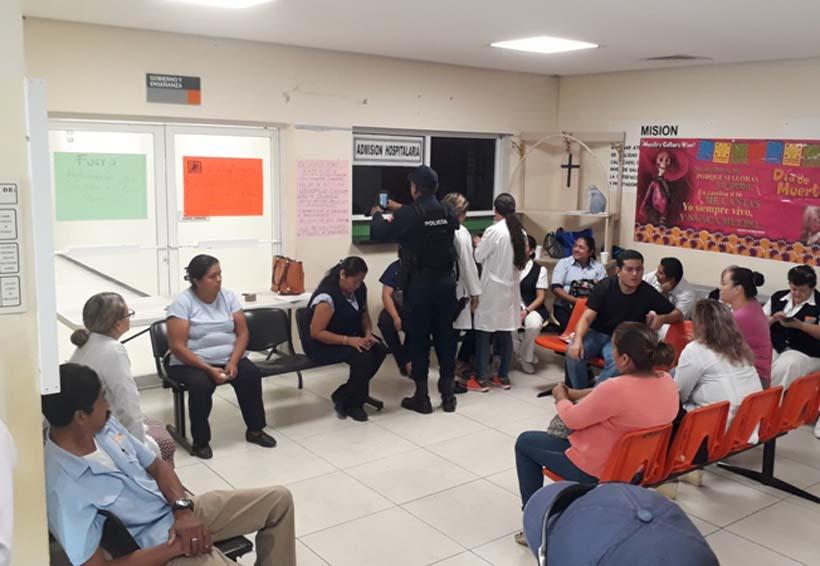 Trabajadores del hospital de Tuxtepec exigen salida del director