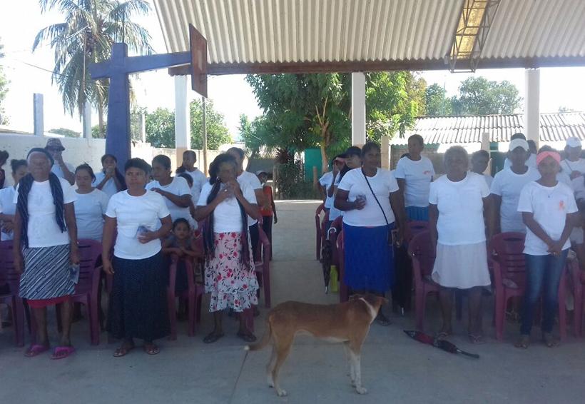 Marchan en la Costa de Oaxaca contra la violencia contra las mujeres