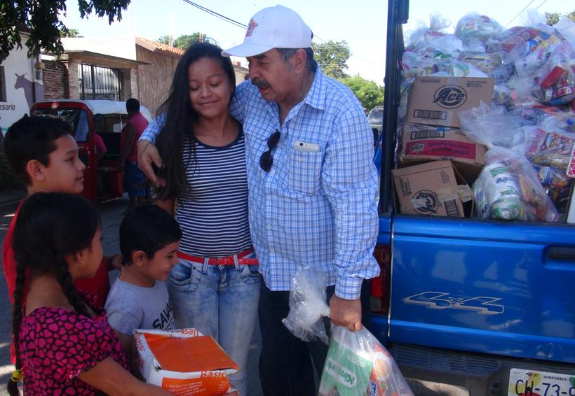 Jorge Ortiz de Pinedo llevó 15 toneladas de víveres a Ixtaltepec, Oaxaca