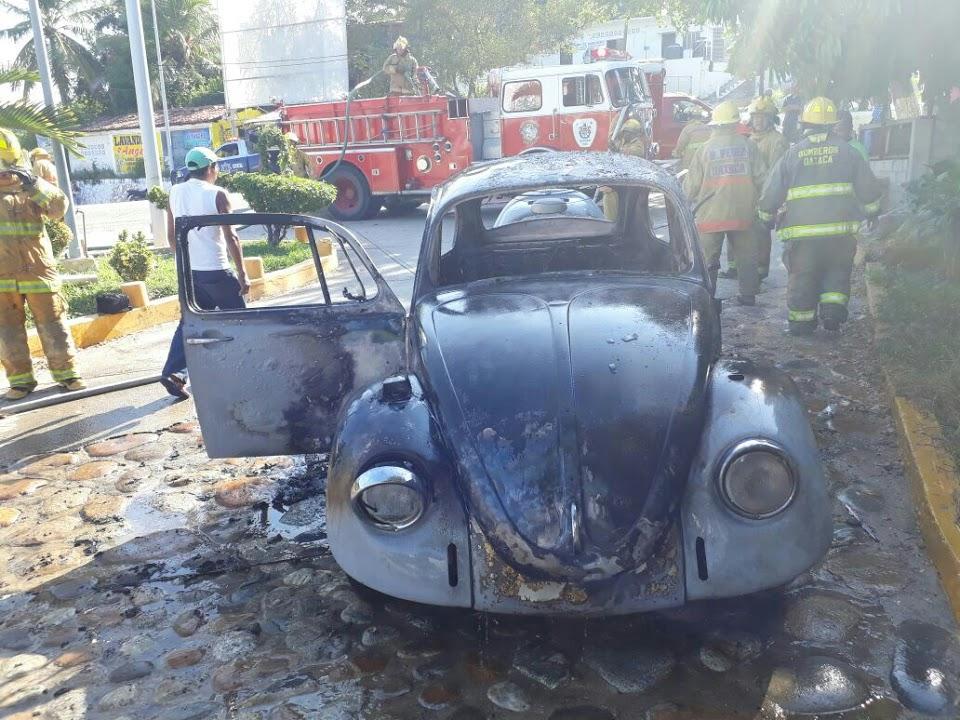 Se incendia automóvil abandonado en Oaxaca, bomberos lo apagan | El Imparcial de Oaxaca