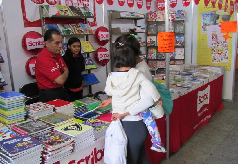 Abarrotan oaxaqueños la 37 Feria Internacional del Libro