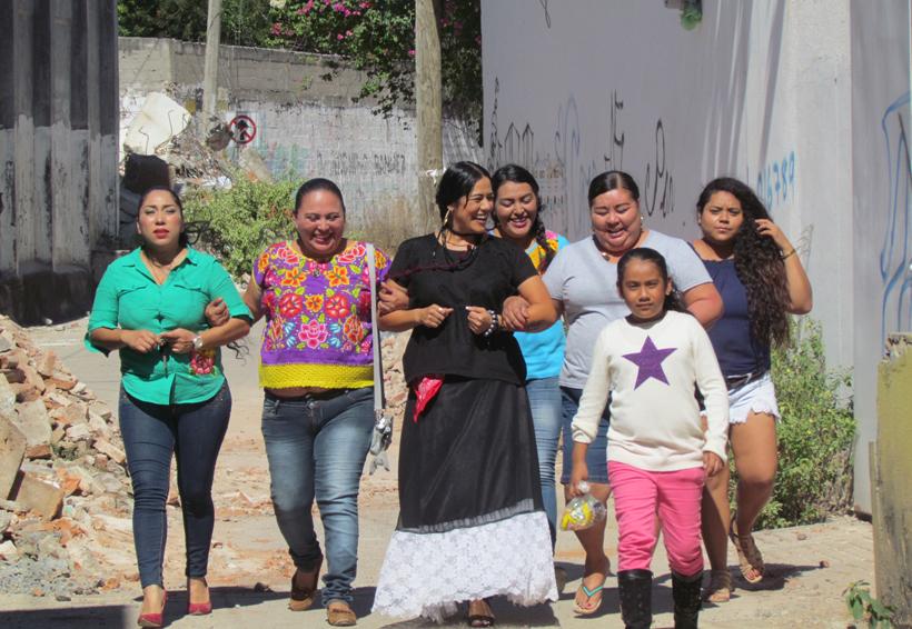 Siguen los apoyos de Oaxaca Corazón en el Istmo