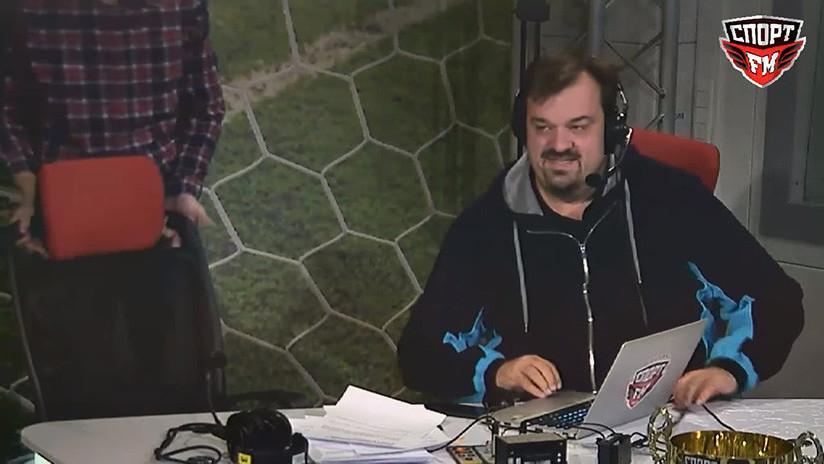 Video: Comentarista deportivo se cae durante la retransmisión de un partido | El Imparcial de Oaxaca