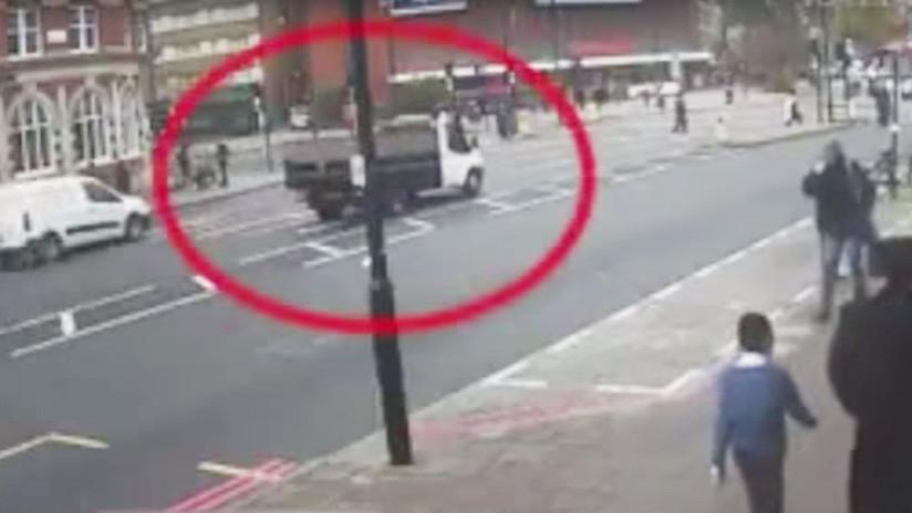 Video: Camioneta arrolla a abuelito a plena luz del día y escapa | El Imparcial de Oaxaca