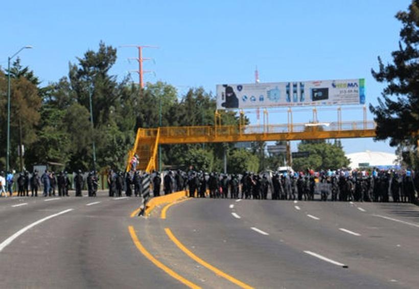CNTE acusa violencia en desalojo; indagan a policías de Michoacán   El Imparcial de Oaxaca