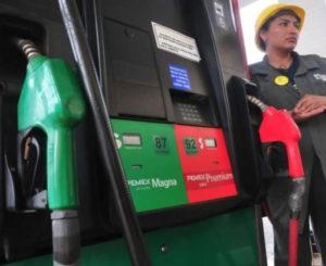 Gasolinas impactan a microsueldos en Oaxaca