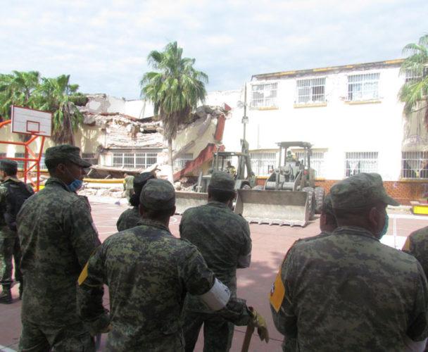 Reconstrucción de Centro  Escolar y Hospital de Juchitán, concluirán en marzo y abril