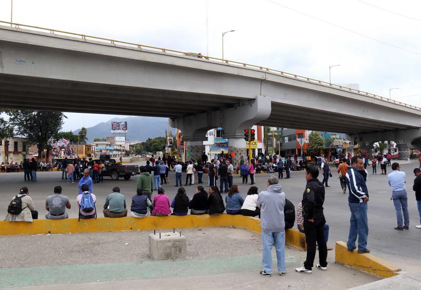 Se moviliza el STEUABJO; demanda 50 jubilaciones | El Imparcial de Oaxaca