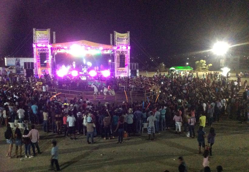 La colonia 20 de Noviembre de Pinotepa Nacional,  culmina feria anual con éxito