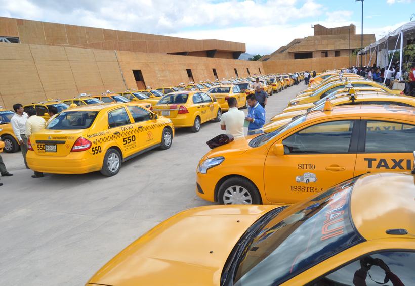 Operan en Oaxaca más de mil 500 taxis pirata | El Imparcial de Oaxaca