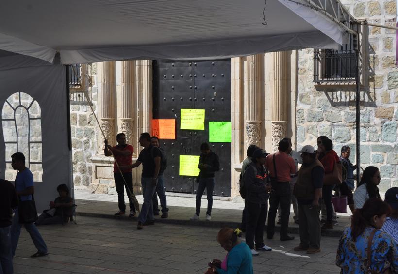 Paralizan maestros actividades administrativas | El Imparcial de Oaxaca
