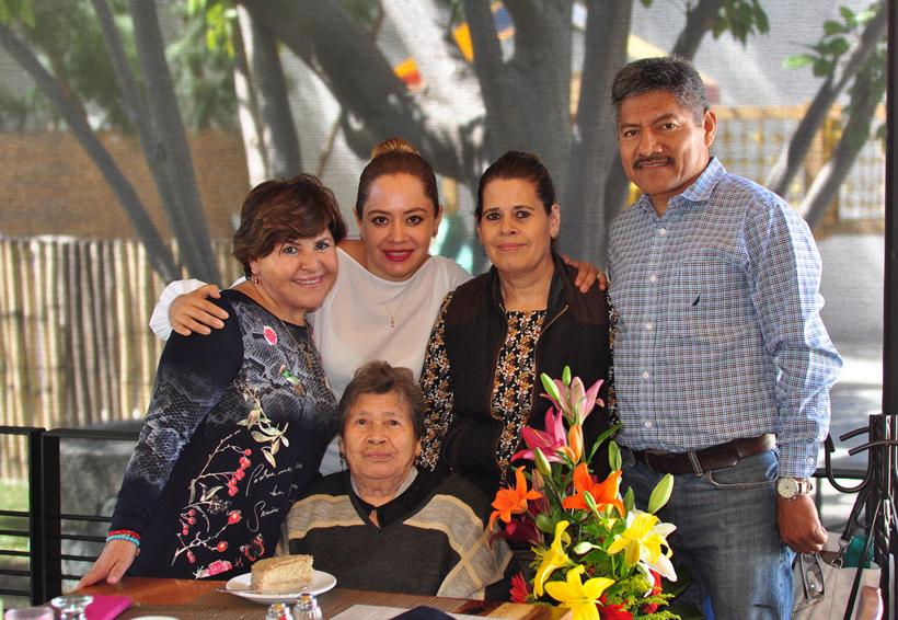 Abrazos para Aurora   El Imparcial de Oaxaca