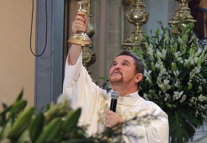 Sacerdote pide mantener la fe por estragos del sismo | El Imparcial de Oaxaca