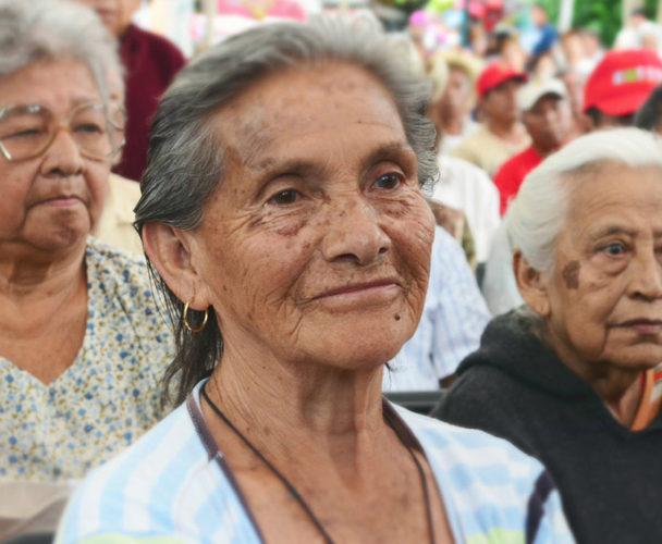 Invitan a los adultos mayores de Oaxaca a inscribirse a programa alimentario