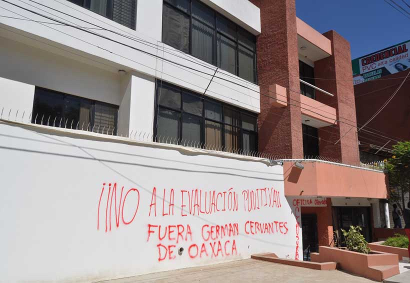 Reactiva Sección 22 protestas con vandalismo en Oaxaca | El Imparcial de Oaxaca