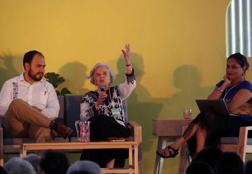 Elena Poniatowska reparte su corazón entre Marichuy y Obrador   El Imparcial de Oaxaca