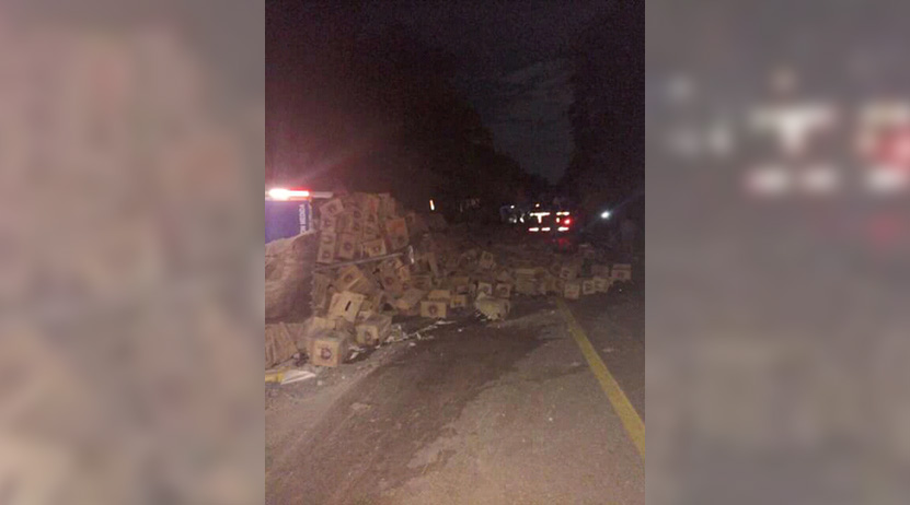 Vuelca camión con cervezas en Salina Cruz, Oaxaca | El Imparcial de Oaxaca