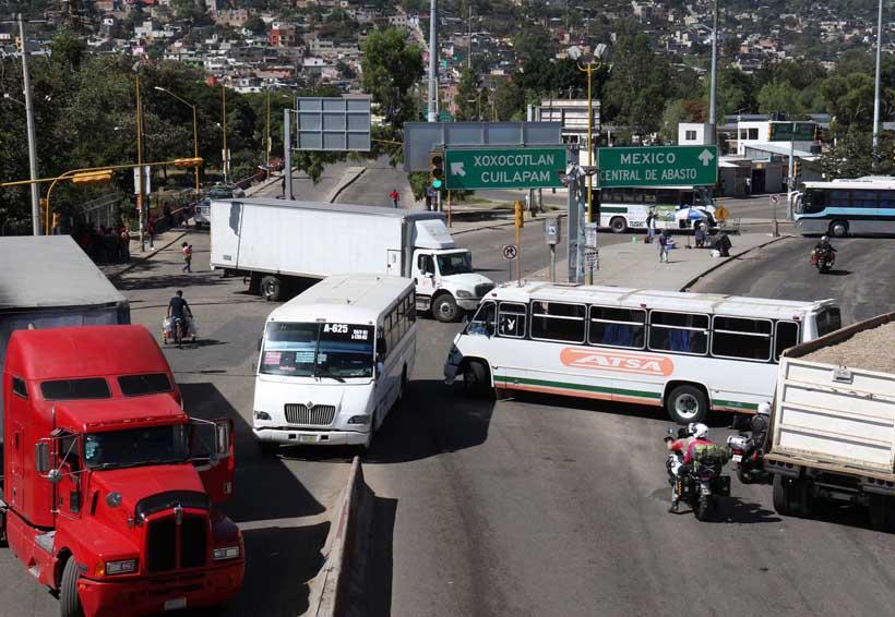 Se termina la tregua; mototaxistas bloquean vialidades en Oaxaca | El Imparcial de Oaxaca